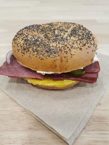 le-Lurcat-Saint-Cere-burger2