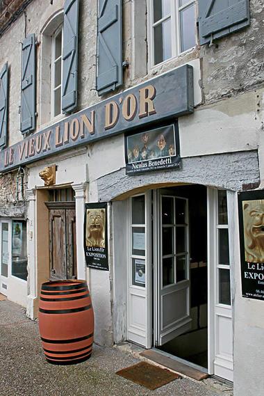 lion-d-or-galerie-facade