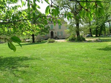 location Carbonnières- Condat-entree