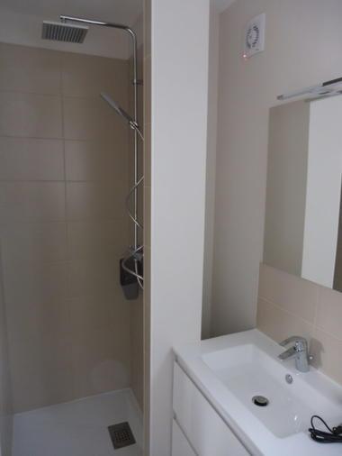 lotendock-souillac-salle de douche