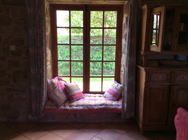 meuble_de_tourisme_Manakee_Fleuret_cottage_fenetre