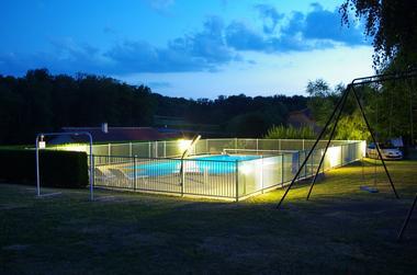 piscine-nuit © L'Ormerée