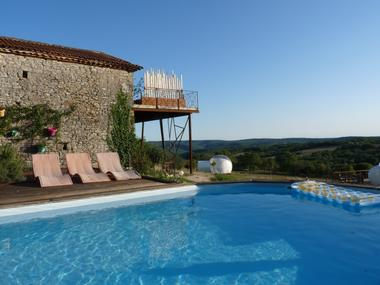 piscine-location-bulle-cabrerets