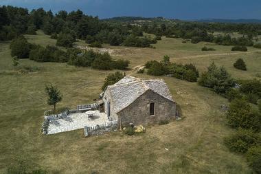 La-chapelle-domaine-de-Bombe