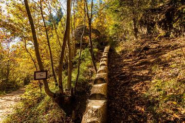 Le vallon du Villaret-Bagnols les Bains_12
