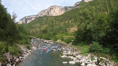 le canoe activite a faire dans les gorges du Tarn