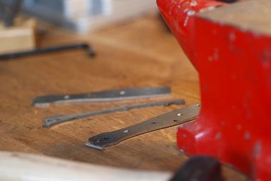 fabrication-artisanale-de-couteaux-en-morta-596265