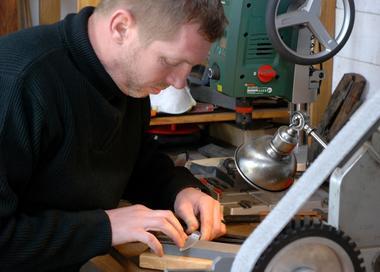 fabrication-artisanale-de-couteaux-en-morta-596275