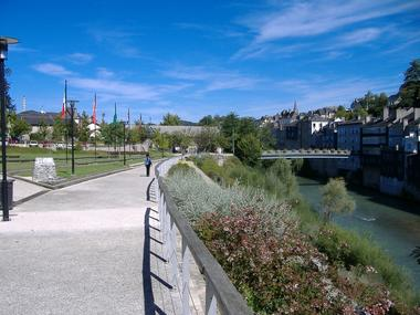 Oloron Sainte-Marie - Promenade le long du gave d'Aspe  (Office de Tourisme du Piemont Oloronais)