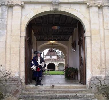 Accueil en costume - Château de Gaujacq