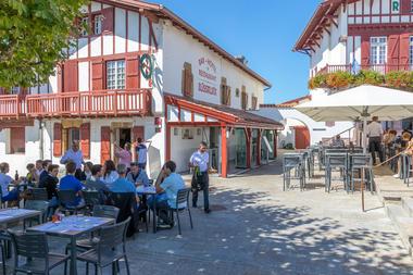Hôtel Restaurant Elissaldia - Place - Bidart