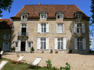 Château d'Orion façade.