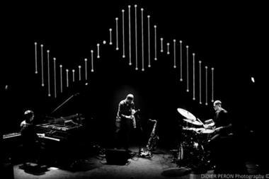Concert-Jazz---Mammal-hands