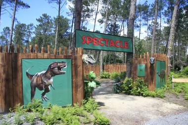 Dinosaures-parc-Azur-spectacle