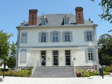 Extérieur Office de Tourisme (Office de Tourisme du Haut Béarn)