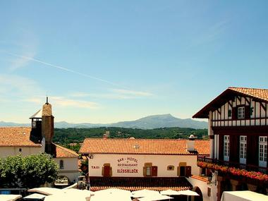 Hôtel du Fronton - Bar - Bidart Côte Basque - Place (12)