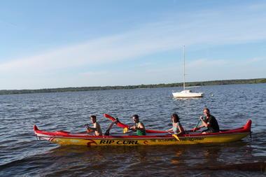 LEON_Canoe surfing_pirogue