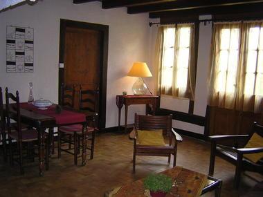 LEON-Gite-au-Gat-salon