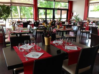 La-Cancha---Salle-de-restaurant--Office-de-Tourisme-du-Haut-Bearn-