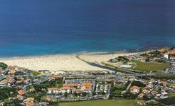 Vue aérienne du Camping et situation face à la plage de l'Uhabia