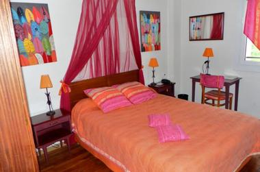 Le Clos Pité - chambre colorée