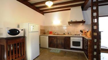 maison-abadie-giscarde-cuisine-osserain