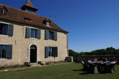 chateau-de-Baylac-exterieur--1