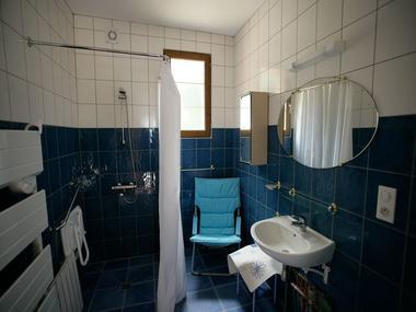 Les Clés d'Emeraude - salle de bains handicapés - Outines - Lac du Der