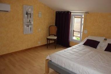 Chambre lit 140 (étage)