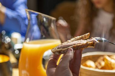 Petit-déjeuner à la française