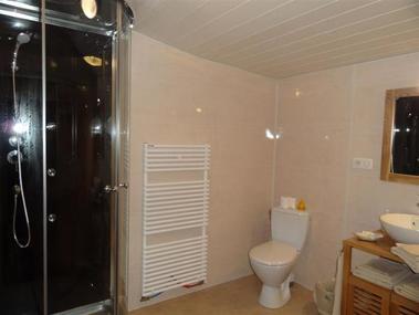 salle de bain - au passage des grues