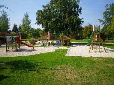 camping-lac-du-der-aire-de-jeux