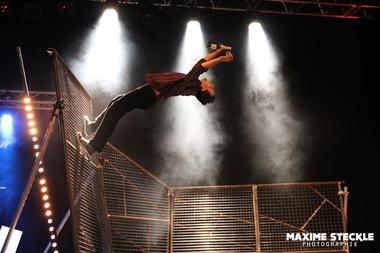 furies-cirque-inextremiste-extrem-night-fever ®Maxime Steckle