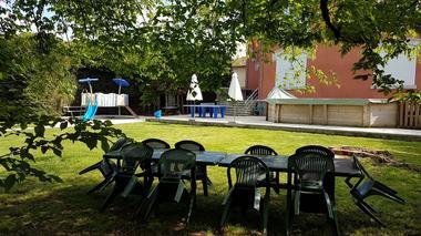 gite-montier-jardin-piscine