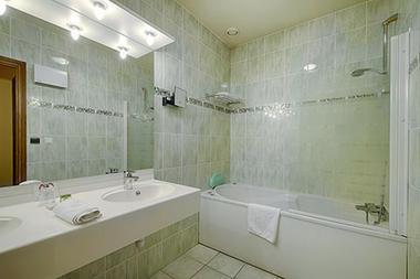 hotel-le-saint-nicolas-chambre-5