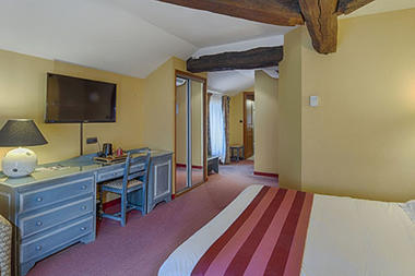 hotel-le-saint-nicolas-chambre