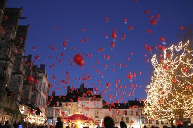 Lancement des festivités de Noël à Sézanne - lâcher de ballons