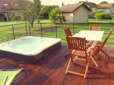 spa-exterieur-table-sejour