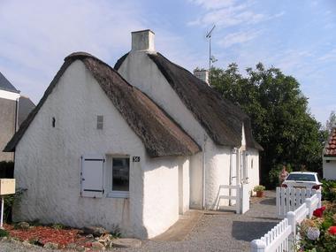 location-chaumiere-au-coeur-de-l-ile-de-fedrun-en-briere-664976