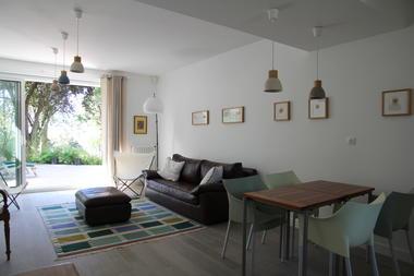 salon-ouvert-sur-terrasse