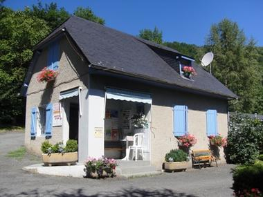 accueil-campinglelarbey-pierrefittenestalas-HautesPyrenees.jpg