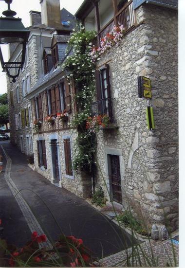 facade-chambredhotesdolwin-argelesgazost-HautesPyrenees.jpg