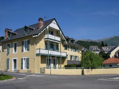 façade-hotelArrieulat-argelesgazost-HautesPyrenees.jpg