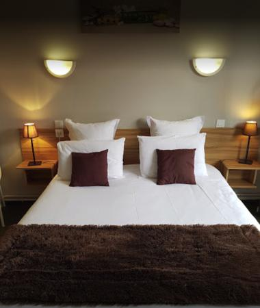 CHAMBRE DOUBLE HOTEL LES GLYCINES (2)