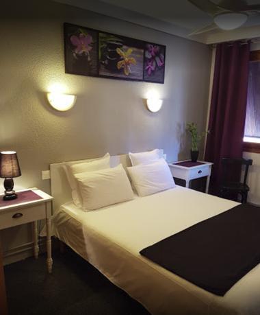 CHAMBRE DOUBLE HOTEL LES GLYCINES