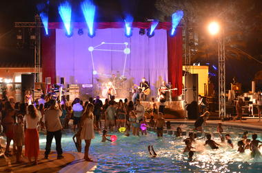 Soiree-piscine-party-camping-les-galets-argeles-2019
