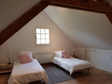 Brachy--Les-5-hetres---Mme-White---chambre-2-lits-mansardee-3