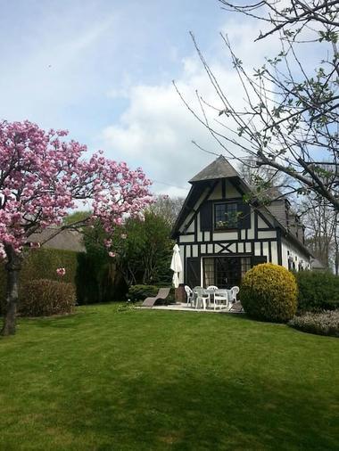 Saint Maclou de Folleville - L'instant Normand - extérieur