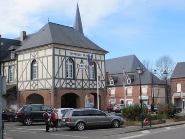 Halles de-Luneray mairie