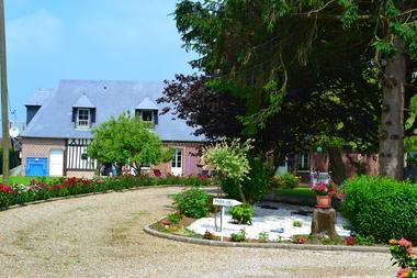 St Maclou de Folleville - La Clé de Saule - M et Mme Warluzelle - extérieur (8)